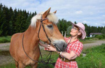 Orimattilan ykkösnainen viihtyy myös hevosen selässä
