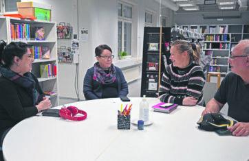 Suomen kielen taitoja parantamassa