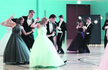 Vanhojen tanssit siirtyvät toukokuulle