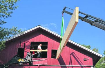 Virenojan seurantalon katto ja kattorakenteet uusitaan